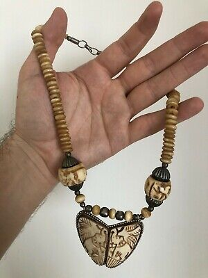 Beautiful Unique Old 1930s ASIAN Necklace Bead With Carved Sleeves