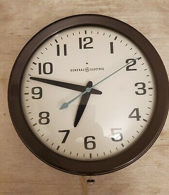 Vintage GE General Electric 2008A Electric Wall Clock. VGC Works!!!