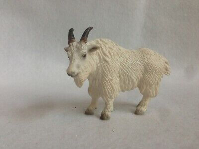 Schleich Retired  White Mountain Goat  # 14340