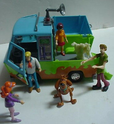 Scooby Doo GHOST PATROL Mystery Machine Van ALL Figures Ghost detector computer
