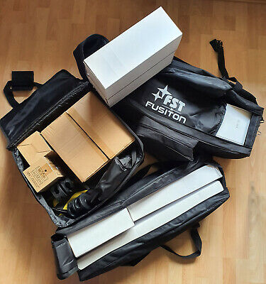 Studio lighting Flash and Continuous kits 3 boxes + tripods