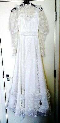 Vintage White Wedding Dress with Lace Overlay and Sleeves - Size XS/S