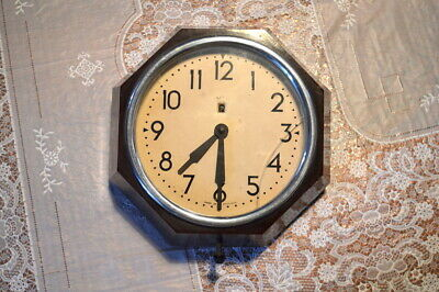 1930s original Smith's octagonal bakelite clock