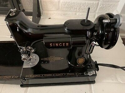 Fantastic Singer Featherweight 221 Sewing Machine