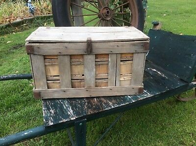 Farm Wood Strawberry Shipping Crate Wood Baskets Two Wood Divider