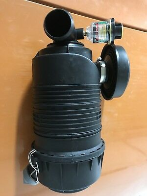 AH19089 Fleetguard Air Filter Cleaner and Housing Assembly