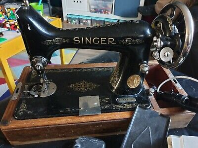 vintage singer sewing machine 1933 in need of recondition,  spares or repairs
