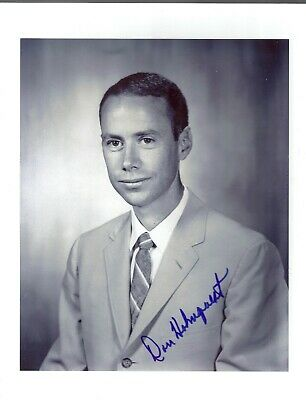 ASTRONUT AUTOGRAPH  Hand Signed GROUP 6  SCIENTIST ASTRONAUT DON HOLMQUEST