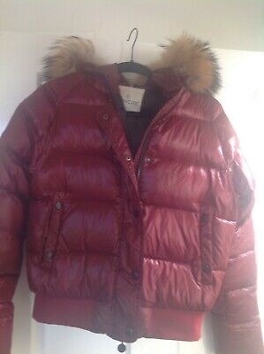 Girls Moncler Coat age 14 / 15. GET IT NOW ! Costs hundreds to buy in Winter