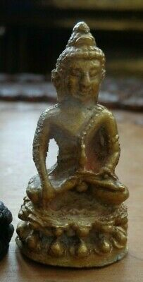Old Thai  Kring Throned  Buddha  Amulet Charm  Temple  Figure