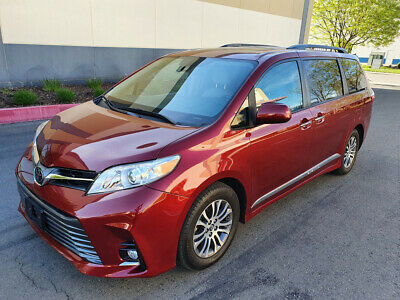 2019 Toyota Sienna XLE 8-Passenger Minivan 4-Door 2019 TOYOTA SIENNA XLE, ONLY 6K MI, LEATHER, NAVIGATION, MOON ROOF, DON'T MISS!