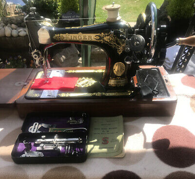 Vintage Singer Sewing Machine 28k With Instructions &Tin Of Accessories 1935 VGC