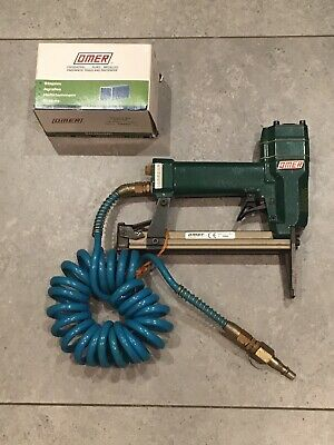 Omer Staple Gun  80.16Sl  Air Stapler With Air Hose & Omer Staples  *Great Item*