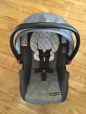 Graco SnugRide Click Connect 30 Infant Car Seat With Base