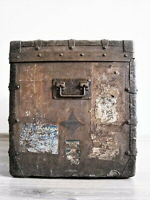 ANTIQUE TRUNK BY LOUIS VUITTON, 1870–1888 / 87x59x52 CM
