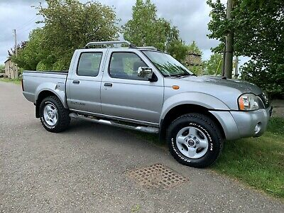 Nissan Navara Outlaw4X4,D22,double cab pickup,2004 ,54 REG, low mileage, leather