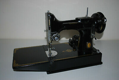 Singer Featherweight 221K Sewing Machine Centennial, Boxed & Accessories Used