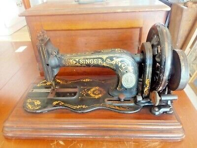Antique Hand Crank Fiddle Base Sewing Machine.Shop display needs some restoring