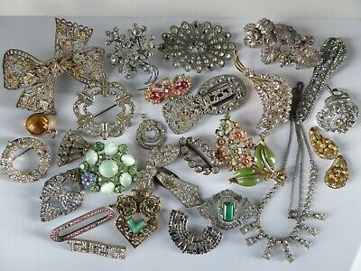 Vintage Spare or Repair Job Lot of Jewellery - Brooches, Dress Clips, Necklace.