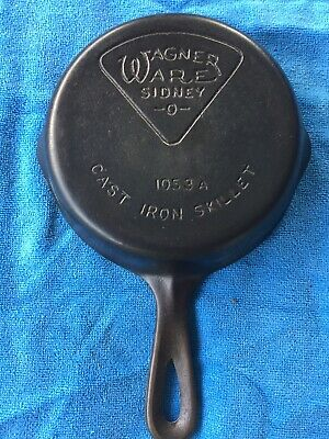 Vintage Wagner Ware Cast Iron Pie Logo Small Skillet Size 3 #1053 A Double Spout
