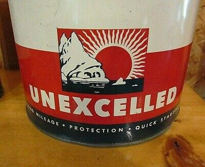 ** VERY RARE and Vintage 1940'S COLONIAL BEACON OIL CO. ESSO 5 qt. motor oil can