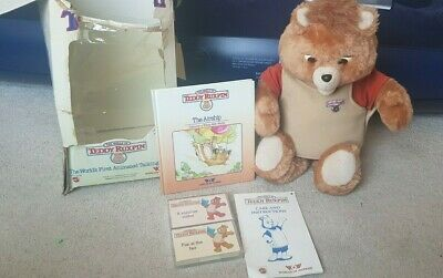 Vintage classic 1984/85 Teddy Ruxpin World of Wonder with box & tapes