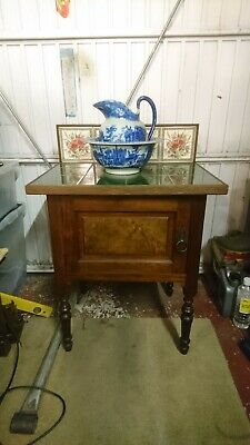 Antique style Wash stand with bowl and jug.