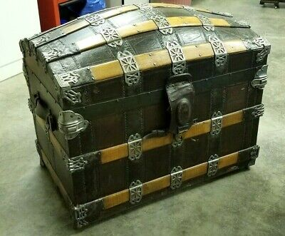 WONDERFUL LARGE 1880's CAMEL BACK TRUNK WITH FULL INTERIOR
