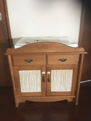Gro Years change table dresser with changing pad