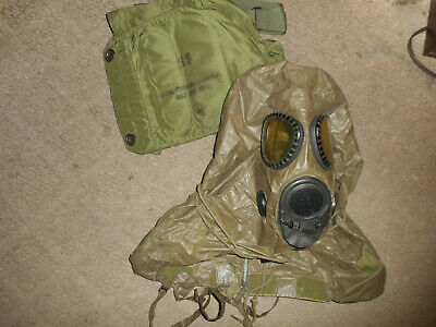 US M17 Gas Mask MSA with Hood And Carry Case. Size Medium