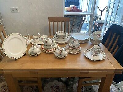 Royal Albert Hartington 76 Piece Bone China Tea Set 1997 - Never Used