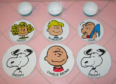 1950 Metal Peanuts Charlie Brown 9pcs Childs Plates Cups Snoopy Schroeder Linus