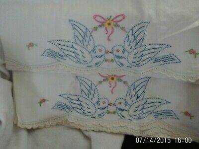 VINTAGE PAIR OF EMBROIDERED Bluebirds PILLOW SLIPS CASES