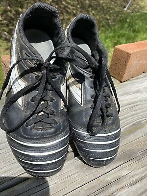 Girls' Soccer Cleats - Size 6.5