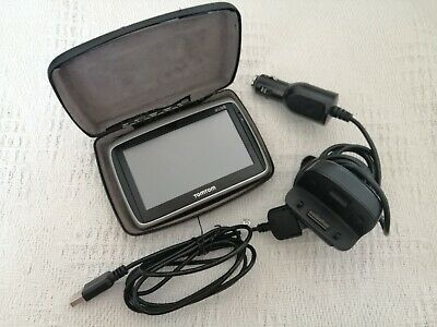 VGC Tomtom Go Live W Car Adapter, Cradle, Case, 8gb Card And Cable
