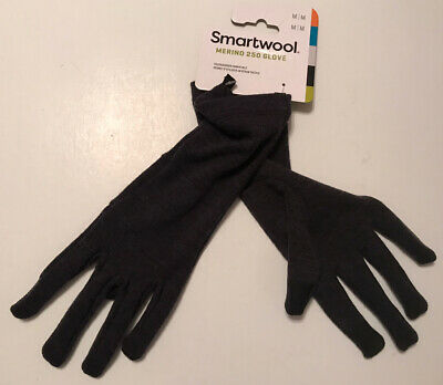New w/tags SMARTWOOL MERINO 250 GLOVE CHARCOAL HEATHER SIZE M TOUCHSCREEN