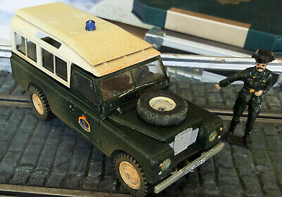 Coche Creacion Slot Land Rover Serie Iii 109 Guardia Civil 1:35