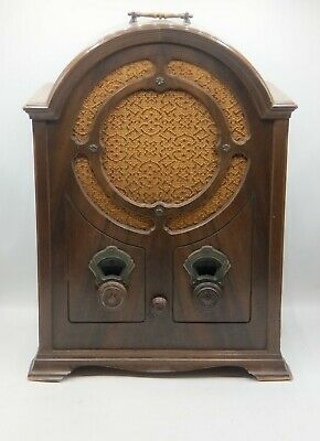 GE k60 colonial style cathedral radio