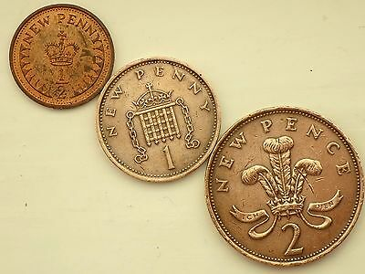 1975-1/2 HALF NEW Penny (LUSTRED), 1975 One NEW Penny, 1975-Two NEW Pence Coins