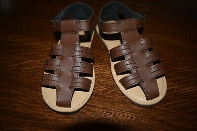 Old Navy Boys Sandals  Size 10  child