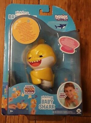 WoWWee Pinkfong BABY SHARK FINGERLING Light Up & Music Toy