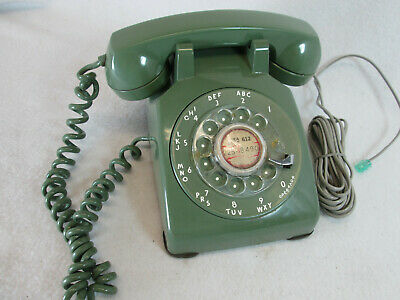 Vintage 1963 Western Electric Bell System avocado green rotary dial telephone