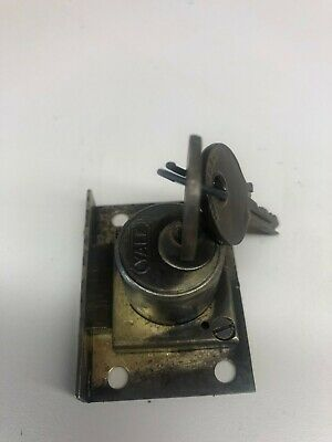 Yale Lock For Slot Machine Jennings,Mills Rockola Nos 2 Matching Keys