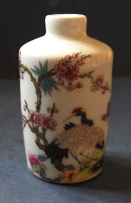 Chinese Porcelain Famille Rose Snuff Bottle - Cranes - Early To Mid 20Th Century