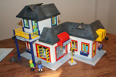 or store TWO Playmobil 3959  City houses Discontinued Rare selling as lot