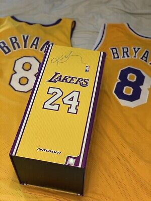 Custom Enterbay 1//6 Lakers Kobe Bryant 2010 Championship  Hat and T-shirt ONLY