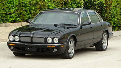 1998 Jaguar XJR SUPER CHARGED 1998 JAGUAR XJR SUPER CHARGED.RUNS WELL SELLING WITH NO RESERVE TO HIGH BIDDER