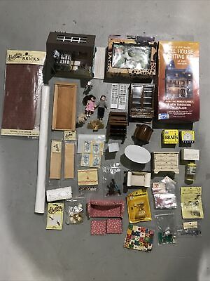 4 in Package NOS Corner Posts Dollhouse Miniatures Houseworks 7010 Porch