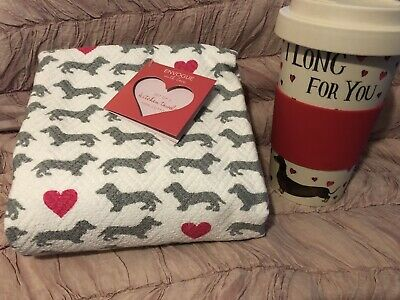 NWT Envogue Set 2 Kitchen Towels Valentine/'s Day VW Van Bus Dogs Cats Pink Heart