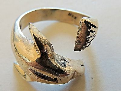 """Vintage Classic Sterling Silver """"Dolphin"""" Ring Size 9"""